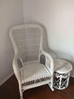 Wicker rocking chair with table