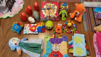 Variety of 20 gently used toys