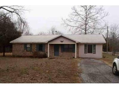 3 Bed 1 Bath Foreclosure Property in Falkville, AL 35622 - Wilson Mountain Rd