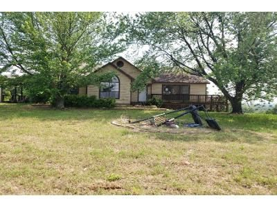 3 Bed 2 Bath Preforeclosure Property in Muldrow, OK 74948 - E 1087 Rd