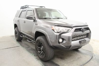 2014 Toyota 4Runner SR5 (Magnetic Gray Metallic)