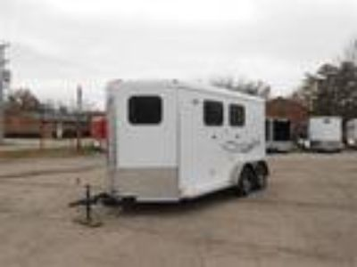 2019 Homesteader 213SB 2 Horse Slant Load with Dressing / Tack Room 2 horses