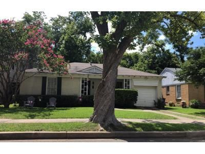 3 Bed 1 Bath Preforeclosure Property in Dallas, TX 75206 - Delmar Ave