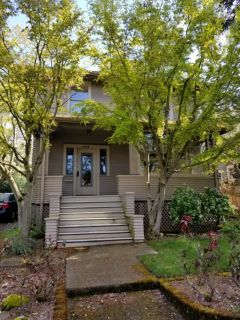 Single Family Home in Seattle - Eastlake