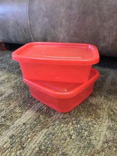 Red sparkle containers