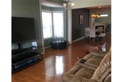 Bright and spacious end until TH in sought after Ellicott. Will Consider!