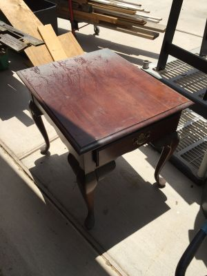 PROJECT PIECE!!!! - Gorgeous Queen Anne End Table