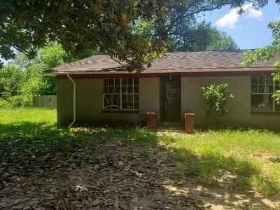 4 Bed 3 Bath Foreclosure Property in Shepherd, TX 77371 - W Main Dr