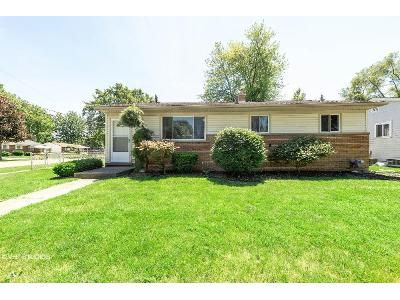 3 Bed 1 Bath Foreclosure Property in Sterling Heights, MI 48313 - Waiteley Dr