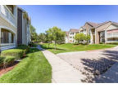 Luxury Apartments in Longmont,CO! Located Close to a Golf Course, these Apar...
