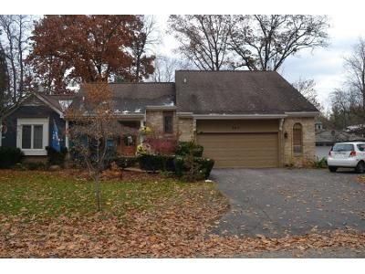 1 Bed 3.5 Bath Preforeclosure Property in West Bloomfield, MI 48324 - Woodview Ave