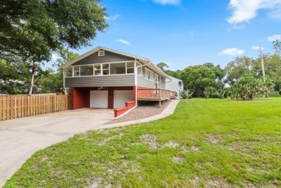 Welcome to your SPACIOUS new home located in this quiet neighborhood in Deland.
