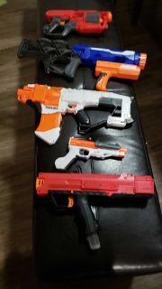 7 Nerf guns! Great condition.