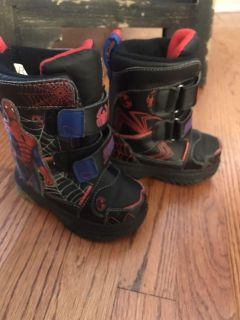 Toddler 6 Spider-Man Snow Boots EUC