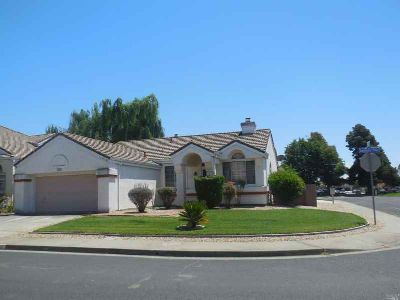 1035 Armsby Way SUISUN CITY Three BR, One Owner Single Story