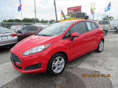 2015 Ford Fiesta SE (Red)