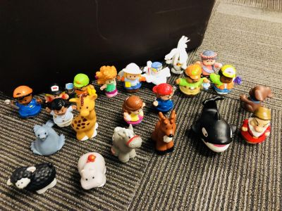 Little people and animals (22total)