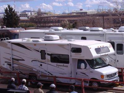 2006 Coachmen Leprechaun 292DS F450