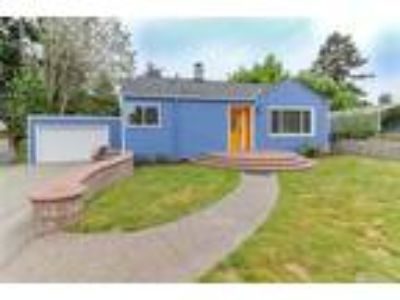 Seattle Real Estate Home for Sale. $375,000 2bd/One BA. - Beverly Fincham