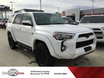 2016 Toyota 4Runner SR5 (Super White)