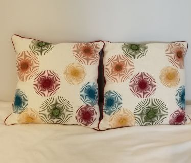 PIER 1 Throw pillows like new