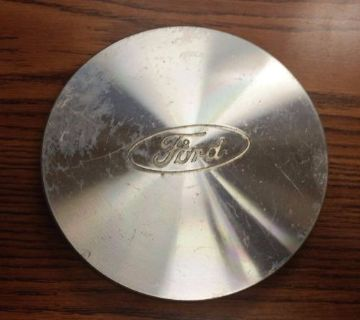 Purchase Single (1) Ford Crown Victoria Wheel Center Cap # F4DC-1A096-AB motorcycle in Redford, Michigan, United States, for US $10.00