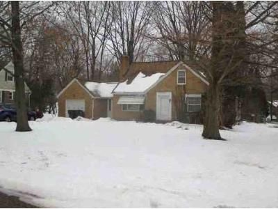 3 Bed 1.5 Bath Foreclosure Property in Lansing, MI 48906 - Cumberland Rd