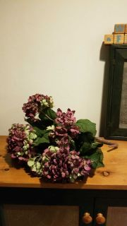 Faux bunch flowers 4 ,with basket 8