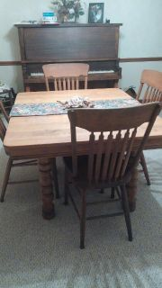 Vintage Oak Table and 6 Chairs