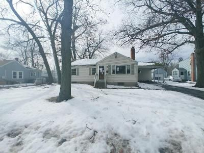 3 Bed 1 Bath Foreclosure Property in Springfield, MA 01109 - Ambrose St