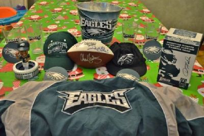 $175 * EAGLES Signed Football Plus Gift Bundle *