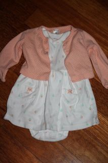 Carters outfit size 9 months like new
