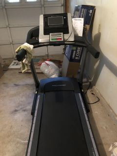 Like new touch screen treadmill
