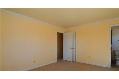 Burke \ 3 bathrooms \ 4 bedrooms - ready to move in. Washer/Dryer Hookups!