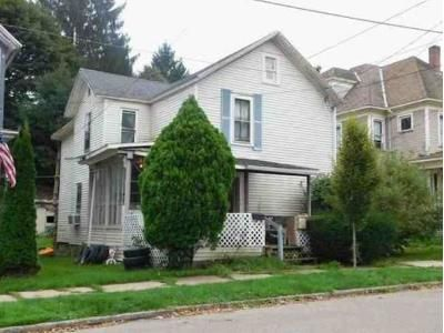 4 Bed 1 Bath Foreclosure Property in Warren, PA 16365 - 6th Ave