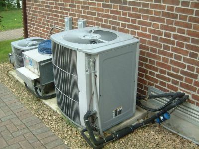 Tighten Up the Parts of AC from AC Repair Miami Lakes