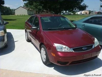 2007 Ford Focus ZX4 S (Burgundy)
