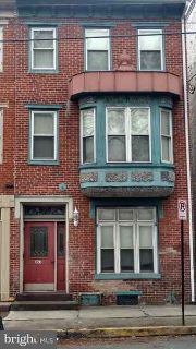 305 W Main St MECHANICSBURG, Welcome to this 3 unit