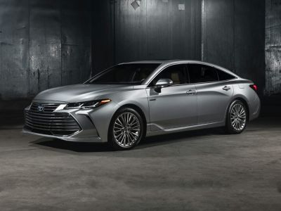 2019 Toyota Avalon Hybrid XLE Plus (Midnight Black Metallic)