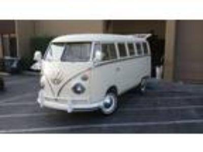 1967 Volkswagen Bus Vanagon 13 Window Deluxe
