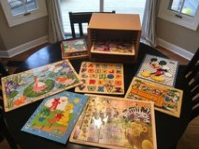 8 Wooden Puzzles and Wooden Puzzle Rack