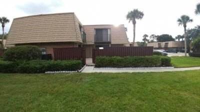 $2500 2 townhouse in Palm City