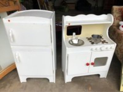 pottery barn wooden kitchen fridge&stove