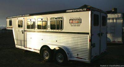 2002 Featherlite 3 Horse gooseneck trailer