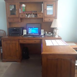 Solid Wood Office L-Desk with Hutch