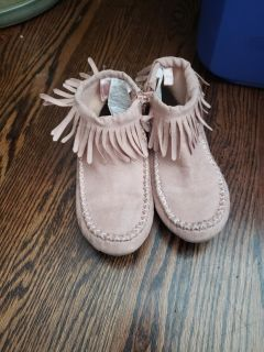 Old navy moccasin style boots