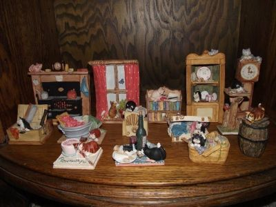 Vintage 1986 Cat collectables from Scotland