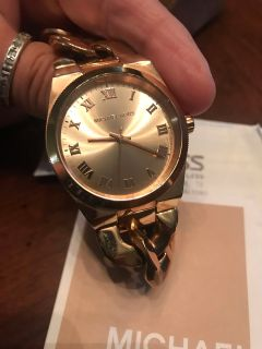 Womens 7.5 Rose Gold watch with Box