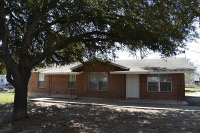 6711 Talley Rd - Commercial For Sale 3/1.5/9 in San Antonio, TX 78253
