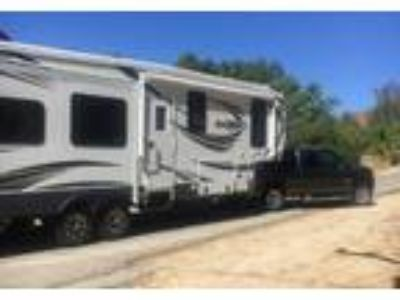 2016 Heartland RV Bighorn-3270RS 5th Wheel in Valencia , CA